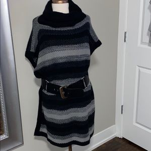 Calvin Klein one size poncho sweater EUC with belt